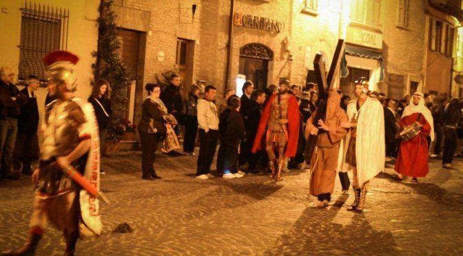 Venerdì Santo: suggestioni a Saltara per la Processione del Cristo Morto