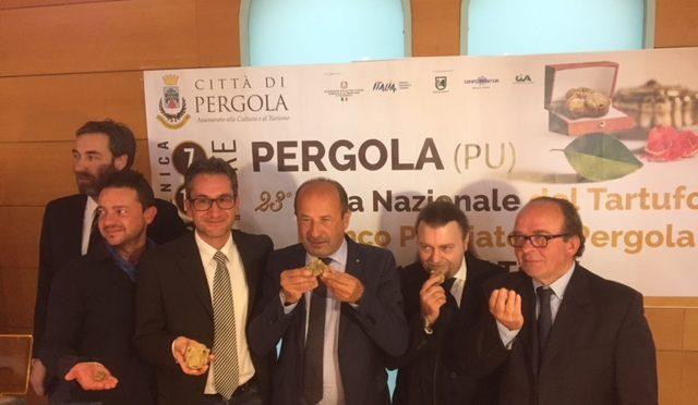 A PERGOLA 23ESIMA FIERA NAZIONALE DEL TARTUFO BIANCO PREGIATO E DEI PRODOTTI TIPICI